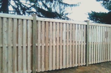 Our fence repair services are the best in the Springfield area! We will give you honest advice about whether it is better for you to replace your damaged fence or just fix parts of it that need repaired. We can work with most any budget so give us a call today to determine your fence repairing needs!